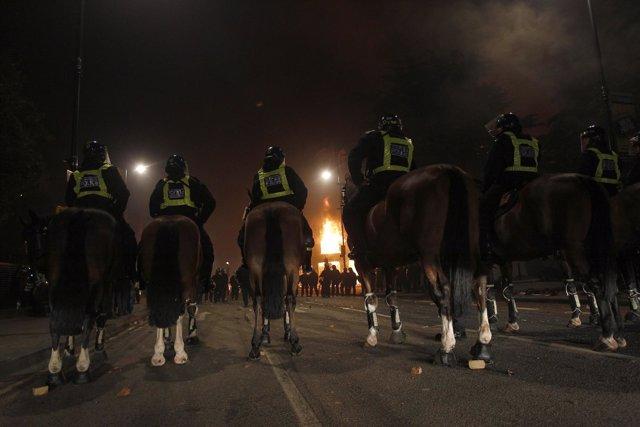 Disturbios En Londres Tras La Muerte De Un Jóven