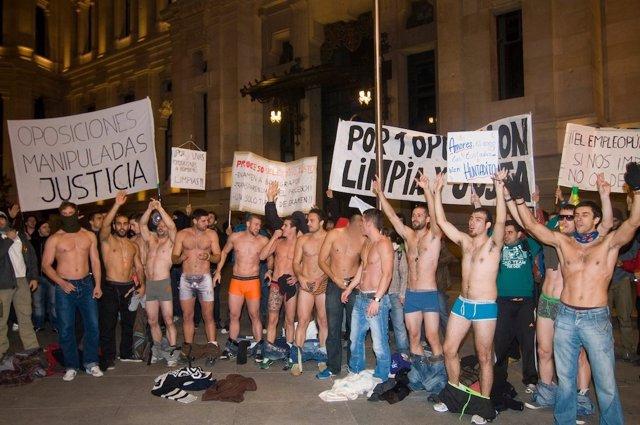 Protestas De Candidato A Bombero