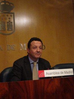 Henríquez De Luna En La Asamblea De Madrid