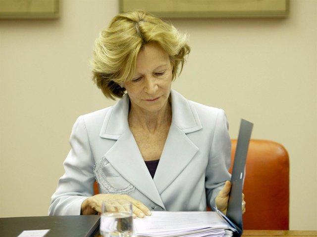 Elena Salgado, compareciendo en el Congreso
