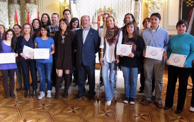 Entrega De Diplomas A Los Voluntarios De La V Cumbre Del Microcrédito
