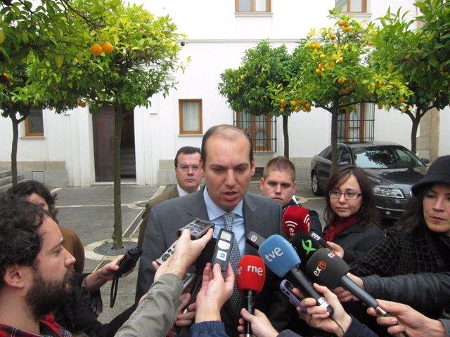 Hernández Carrón Junto A La Asamblea