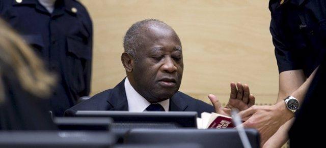 Gbagbo, Durante Su Primera Comparecencia