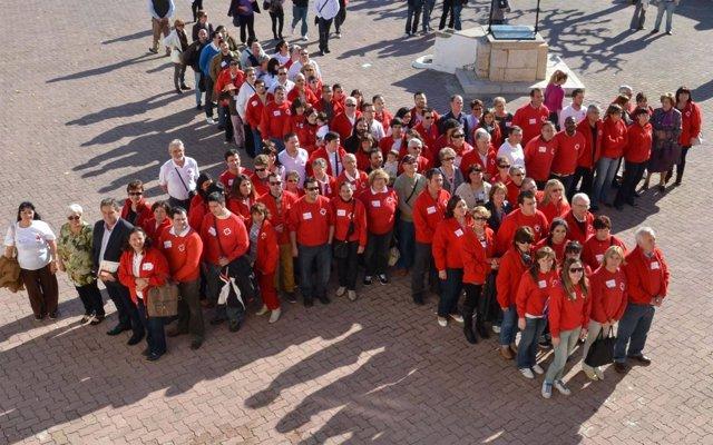 Voluntarios De Cruz Roja Celebran El Día Del Voluntariado
