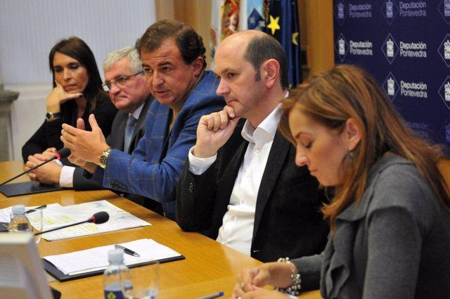 El Conselleiro Javier Guerra En Un Acto En Pontevedra