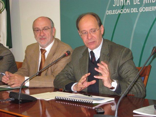 El Consejero De Medio Ambiente, José Juan Díaz Trillo, En Rueda De Prensa.
