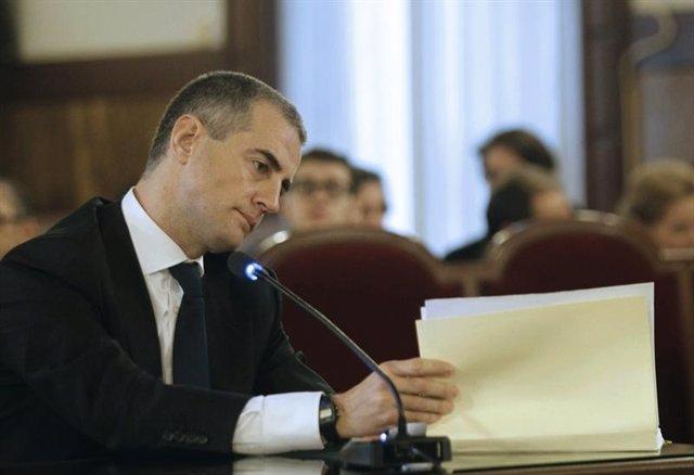 Costa Declara En El Juicio De Los Trajes