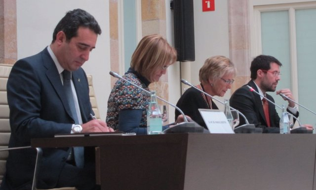 Manuel Bustos, Núria De Gispert, Glòria Valeri Y Albert Batalla,