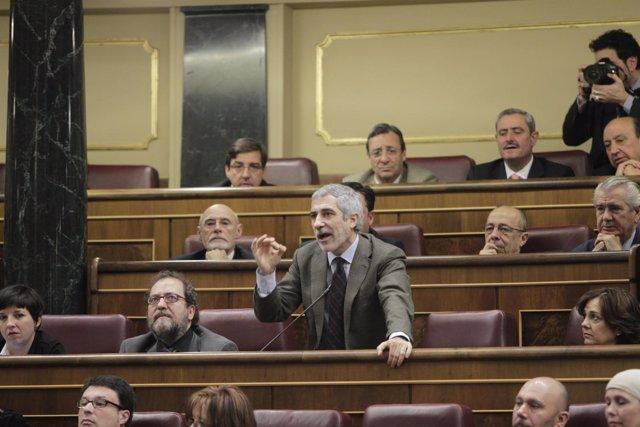 Llamazares, Indignado En El Congreso