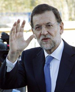 El Futuro Presidente Del Gobierno, Mariano Rajoy, En Marsella