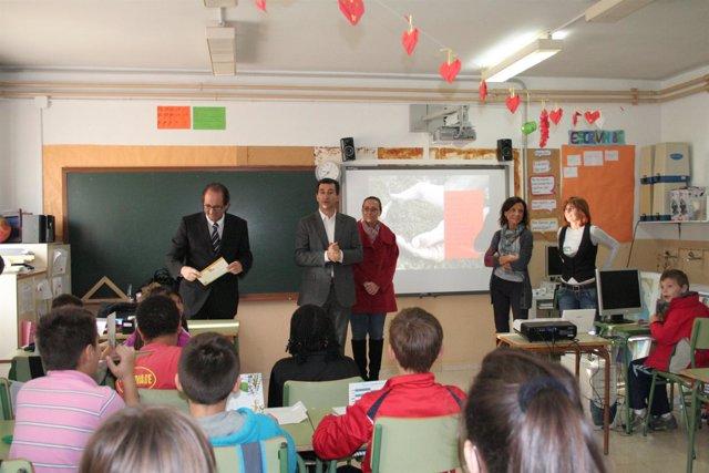 Company Asiste A La Presentación De La Campaña En Un Colegio De Palma.