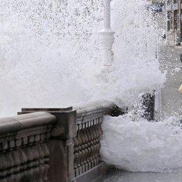 Oleaje en el norte de España por el mal tiempo