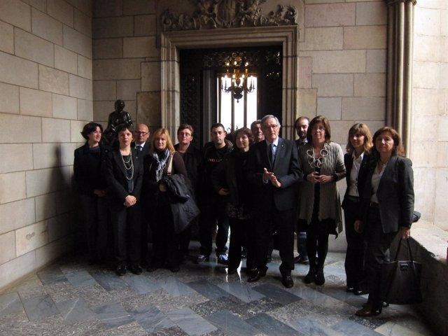 Xavier Trias E Irene Rigau Con Los Agentes Implicados En El Ceip Mediterrània