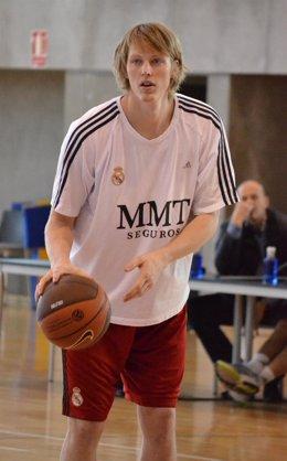 Kyle Singler Entrenando Con El Real Madrid Baloncesto