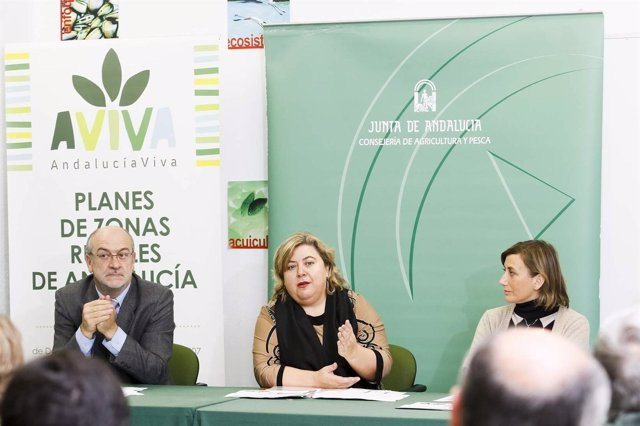 La Consejera De Agricultura, Clara Aguilera.