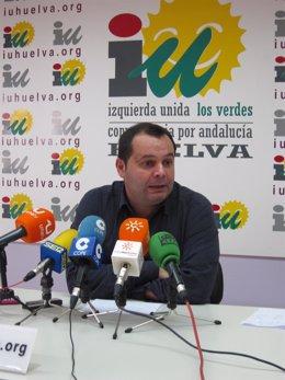 El Diputado De IULV-CA, Rafael Sánchez Rufo, Ante Los Medios.