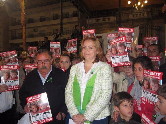La Portavoz De La Familia Materna De Ruth Y José, Esther Chaves.