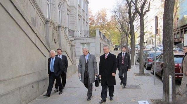 El Juez Baltasar Garzón, A La Entrada Del Tribunal Supremo