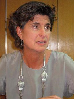 María San Gil Hablando