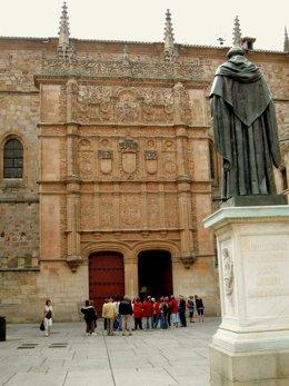 La Fachada Plateresca De La Universidad De Salamanca
