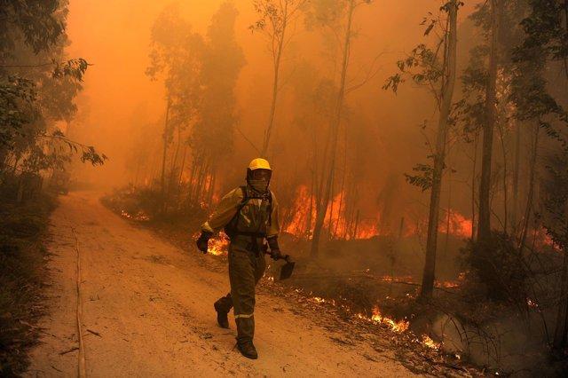 Incendio en Boiro (Galicia)