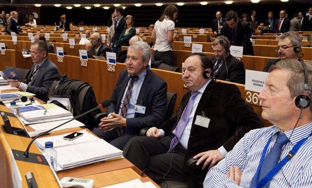 Pedro Sanz Y Emilio Del Río En Brusela, En El Comité De Las Regiones