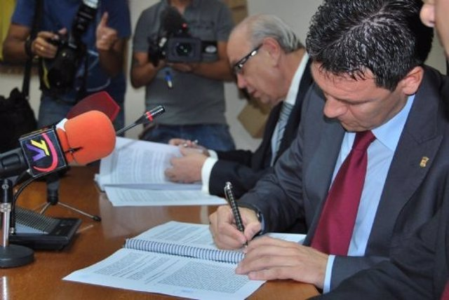 El Alcalde De Alhama Y El Presidente De Premursa, Jesús Samper