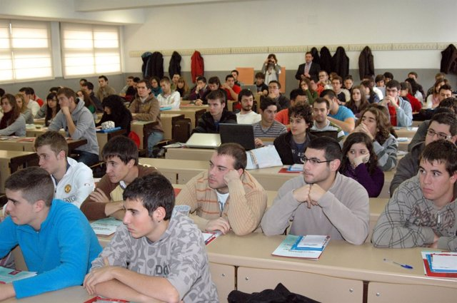 Universitarios