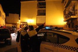 La mujer asesinada en Marchena (Sevilla) supuestamente por su expareja fue apuñalada en el cuello
