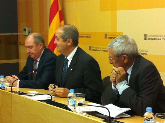 El Conseller Felip Puig, Joan Aregio (SCT) Y Sebastià Salvadó (Racc)