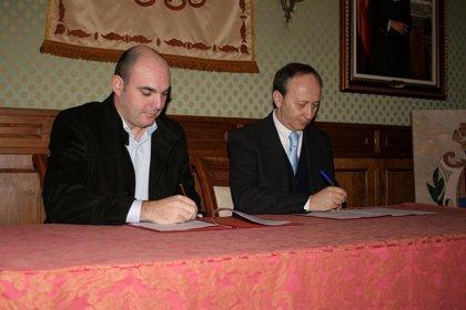 Un acuerdo promoverá la iglesia del Carmen de Alcañiz como espacio cultural