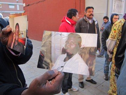 Concentración en el barrio barcelonés del Besòs por la muerte del joven senegalés