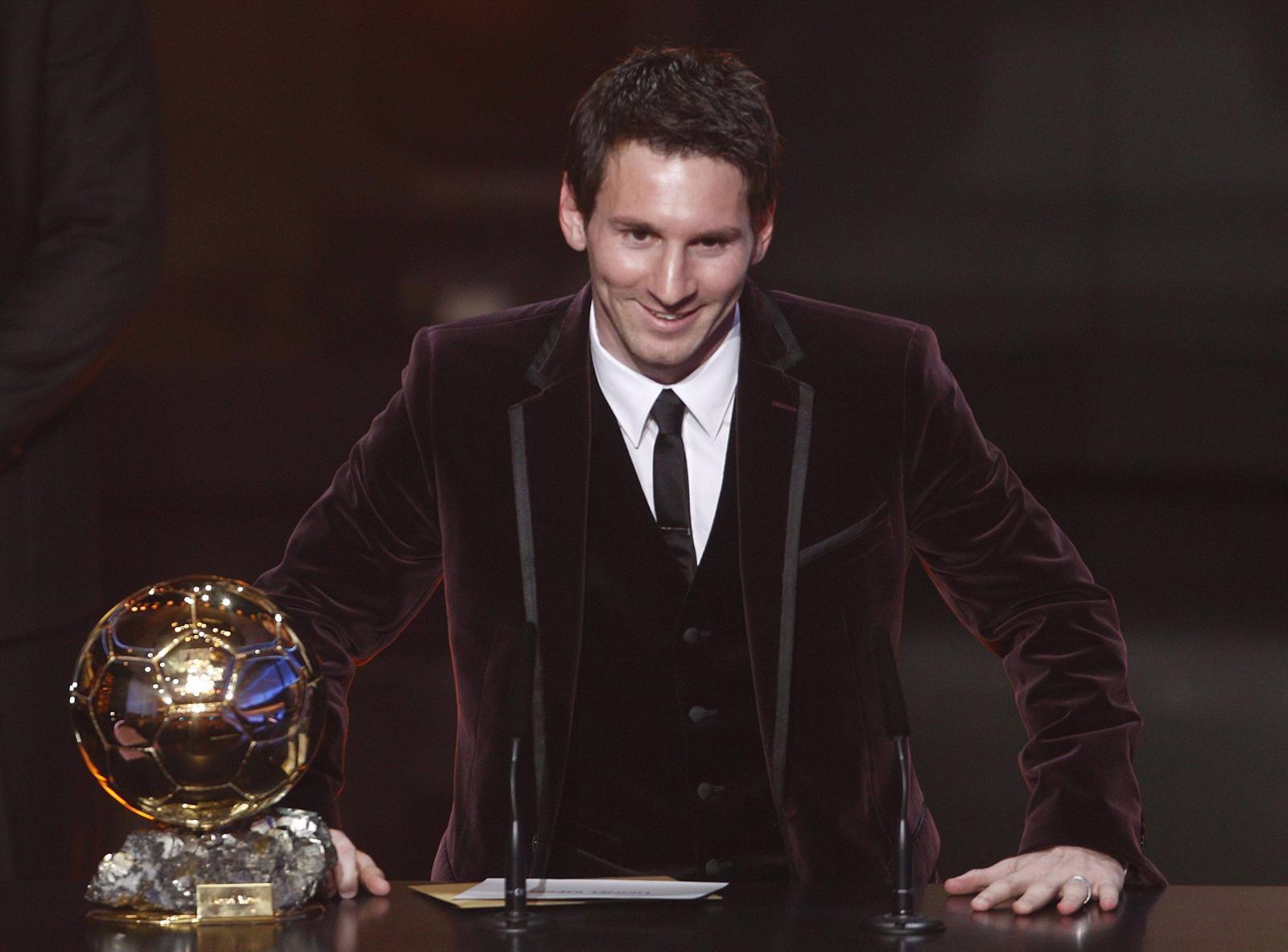Leo Messi Premiado Con El Balón De Oro