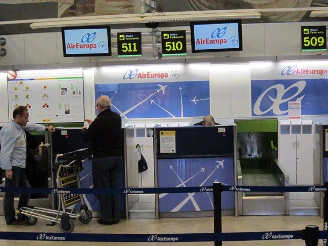 Mostradores De Air Europa En El Aeropuerto De Madrid-Barajas