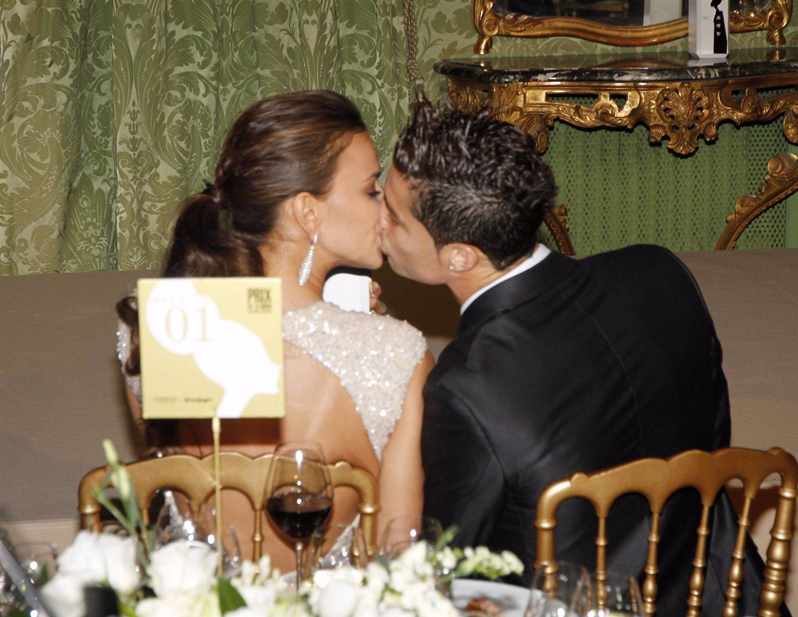 Cristiano Ronaldo E Irina Shayk En Los Premios Marie Claire