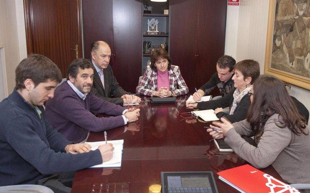 Reunión De Los Alcaldes Con La Consejera Vera Y El Gerente Del SNS.