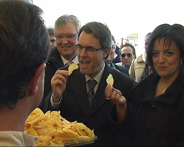 El Presidente De La Generalitat, Artur Mas, En Frit Ravich