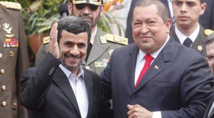 """Chávez ve """"absurda"""" la amenaza de EEUU de sancionar a los aliados de Irán"""