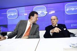 """Rajoy ensalza el papel """"clave"""" de Manuel Fraga en la Transición"""
