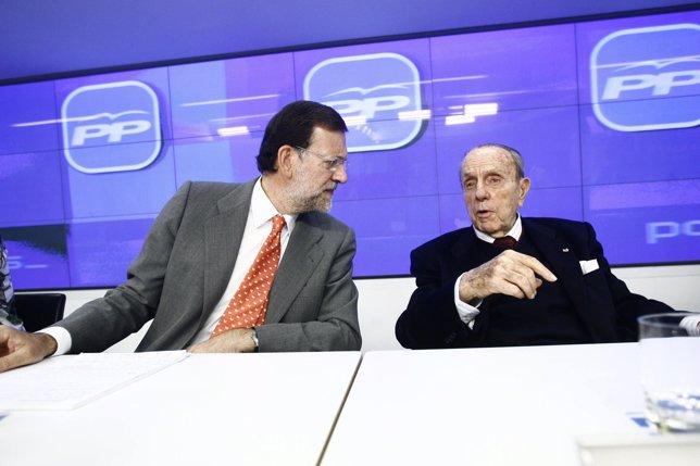 Manuel Fraga Con Mariano Rajoy En Una Ejecutiva Del PP