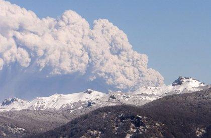 Cancelan todos los vuelos a Bariloche por la presencia de cenizas volcánicas