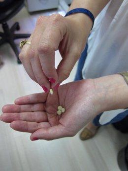 Mujer medicamentos automedicacion