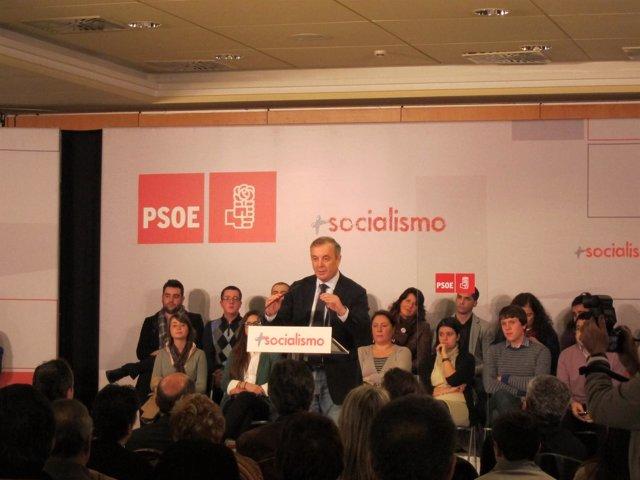 Pachi Vázquez En Acto de Rubalcaba Con Militantes En Santiago