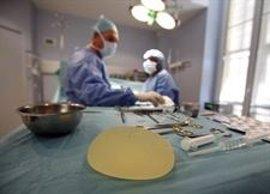"""Las clínicas privadas españolas aseguran estar quitando los implantes PIP """"en caso de resultar necesario"""""""