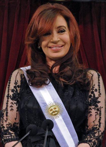 Fernández de Kirchner vuelve a Buenos Aires para retomar sus funciones
