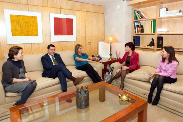 Reunión Entre Gobierno Central Y Regional