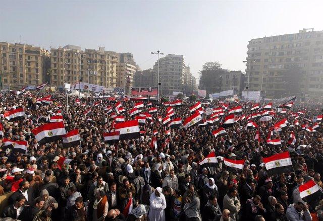 Plaza Tarhir En El Primer Aniversario De La Revolución Que Derrocó A Mubarak