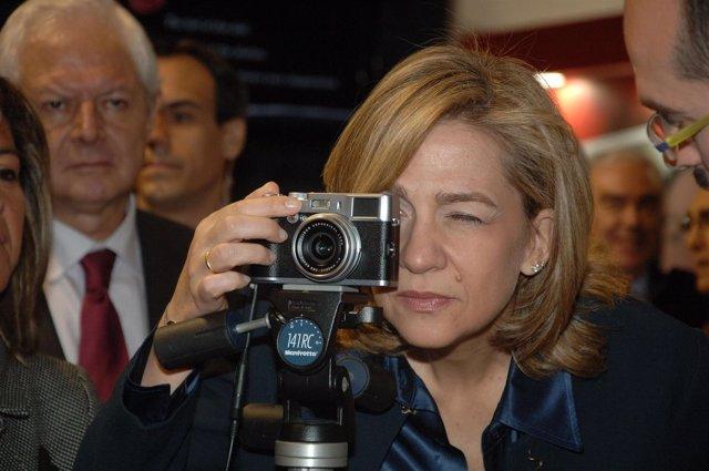 La Infanta Cristina en la inauguración del Salón Sonimagfoto