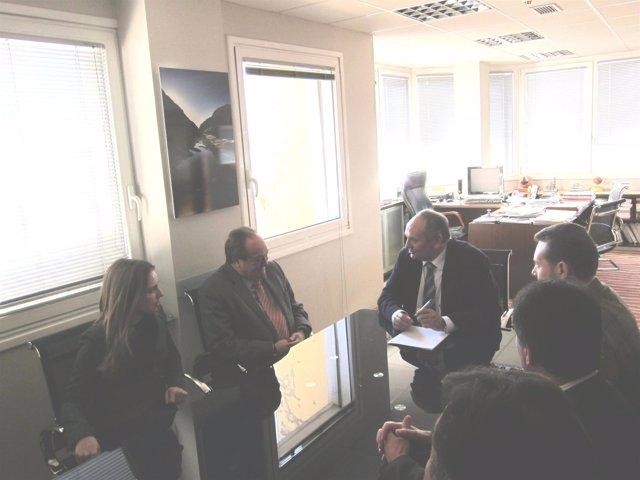 Reunión Entre Constructores Con El Consejero Javier Fernández