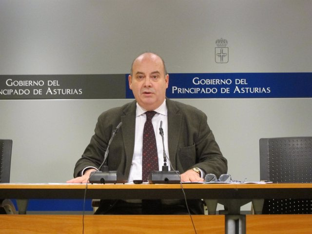 El Viceconsejero De Infraestructuras, Juan Vega